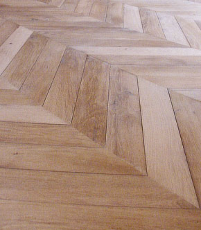 restauration parquet point de hongrie. Black Bedroom Furniture Sets. Home Design Ideas