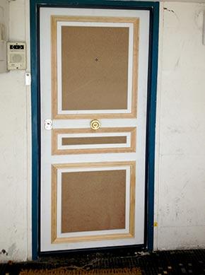 Porte cloison fa ade de magasin entreprise francois for Habillage encadrement de porte
